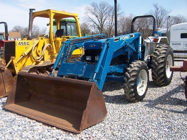 Ford 1000 Loader : Ford tractor w loader hrs nice lot