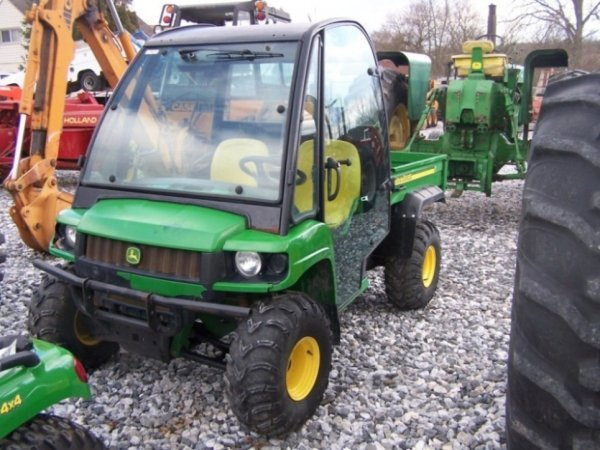 132 John Deere 4x4 Hpx Gator With Cab Gas Engine Lot 132