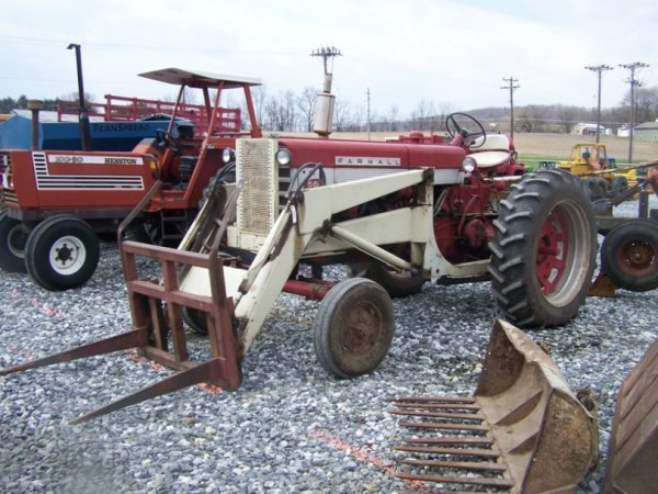 Vintage Tractor Front Loader : Farmall wide front antique farm tractor loader