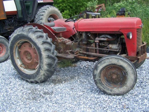 Massey Ferguson 35 Gas Tractor : Moved permanently