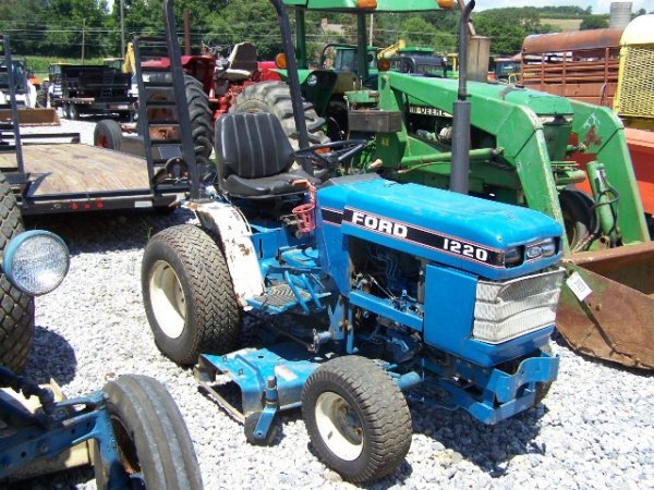 Ford 1220 Mid Pto