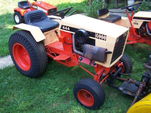 2660  1974 case 444 lawn  u0026 garden tractor very nice   lot 2660