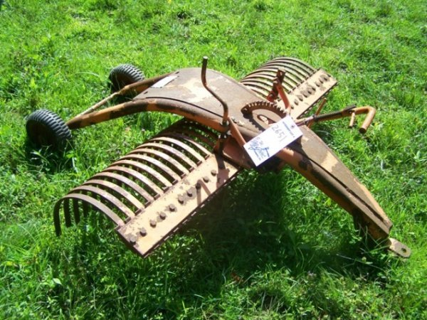 Pull Behind Rake For Lawn Tractor : Pull type york rake for lawn and garden tractors