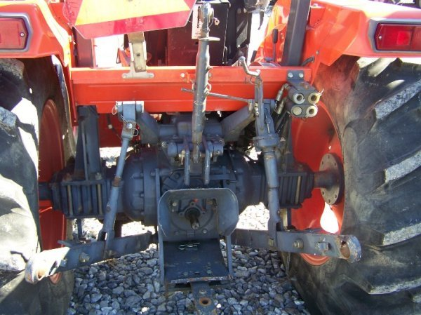 Kubota M4700 Utility Special Tractor : Kubota m utility special tractor hours