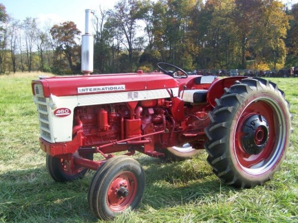 Ih 460 Utility Tractor : Moved permanently