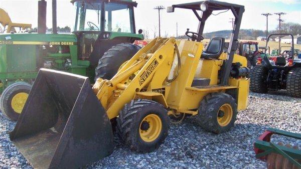 Parts swinger loader