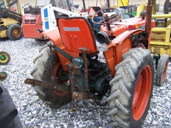 117  Kubota L210 Compact Tractor   Lot 117