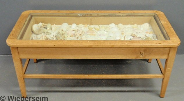 33 Blonde Wood Curio Cased Coffee Table With Seashell