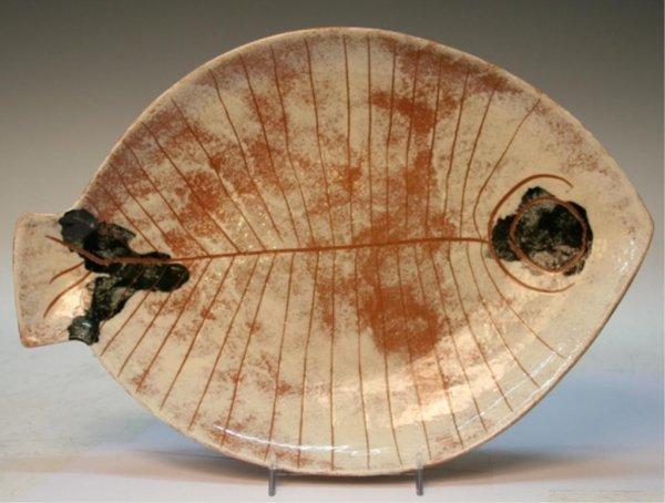 Fish shaped plate by lagardo tackett ca 1960s lot 248 for Fish shaped plates