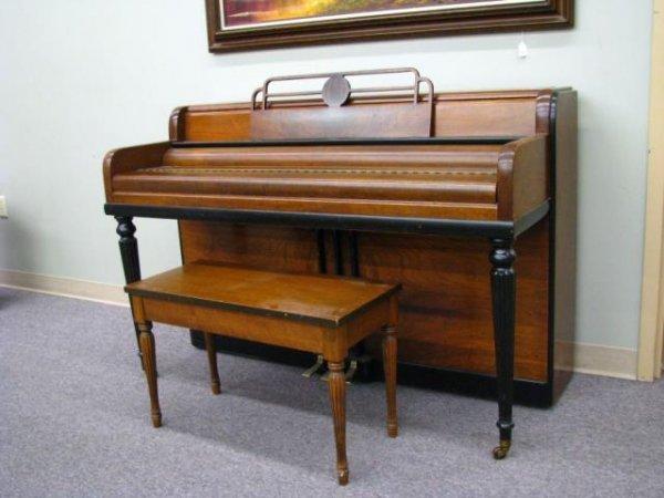 Vintage Wurlitzer Piano 71