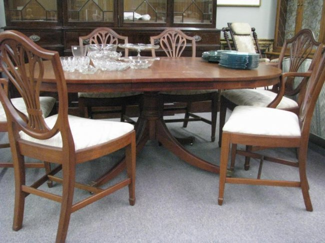 Mahogany Dining Room Table And Six Chairs