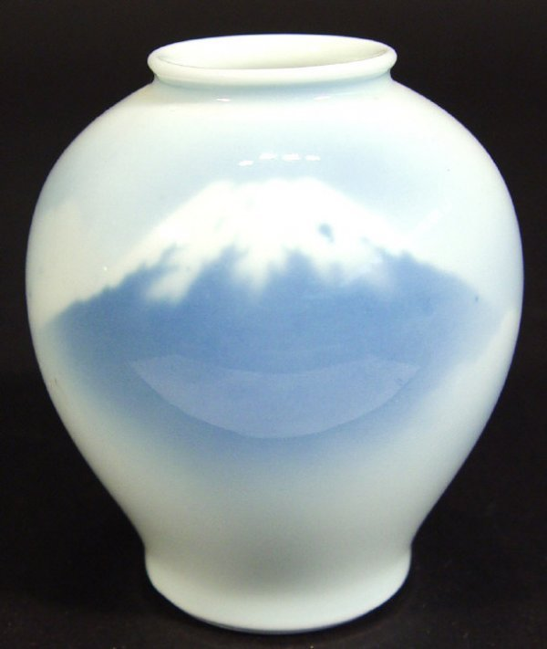 Japanese Porcelain Vase by Fukagawa :: Vases :: Beaux Arts Galleria