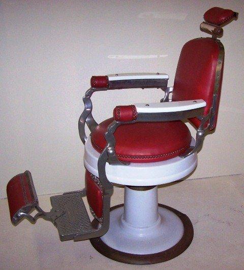 159 Barber Chair Mfgd By Eugene Berninghaus Lot 159