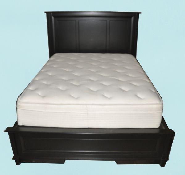 40 Bassett Queen Size Storage Bed Frame Lot 40