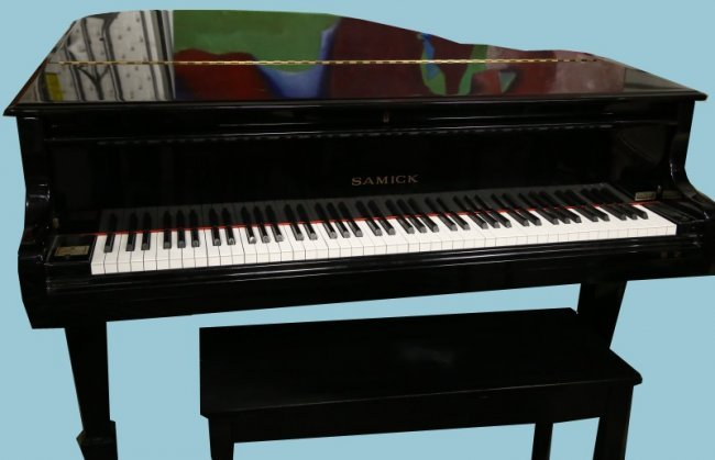 Samick Black Lacquered Baby Grand Piano Lot 104