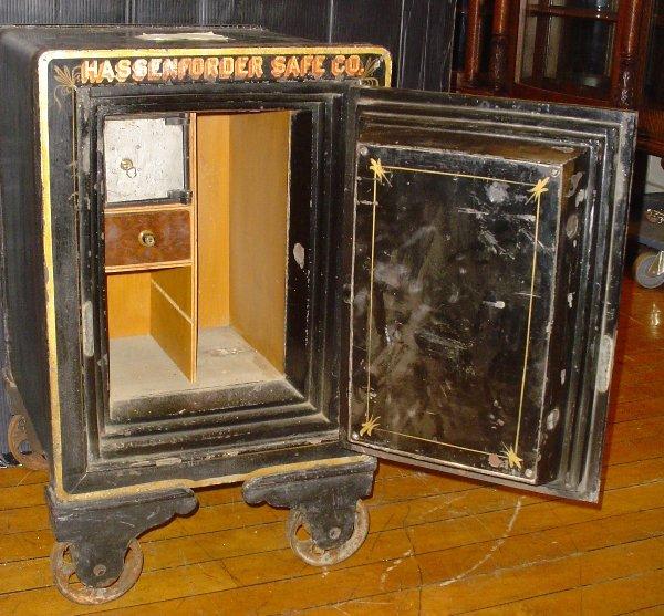 antique floor safes images frompo. Black Bedroom Furniture Sets. Home Design Ideas