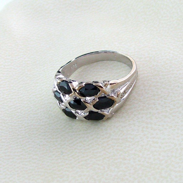 APP 1k 2CT Sapphire w Diamond & Sterling Silver Ring Lot 141