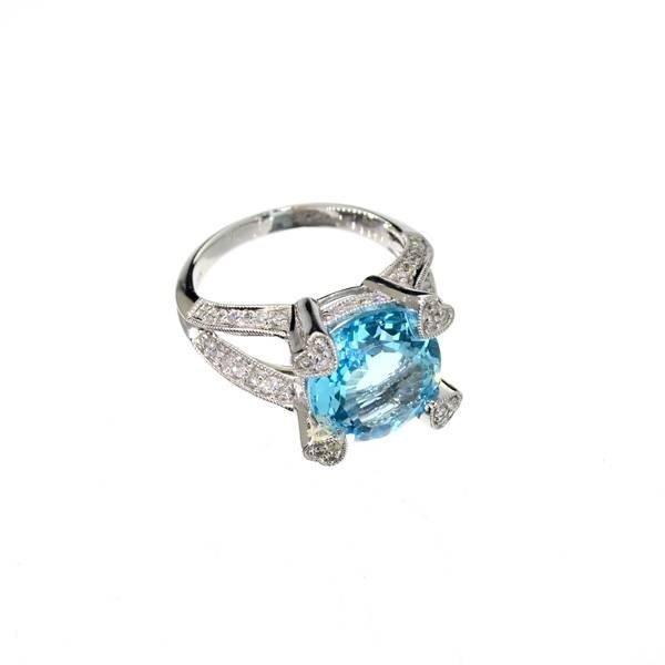 APP 5k 14kt White Gold N ACT Topaz & Diamond Ring Lot 255