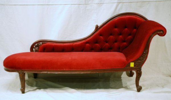 650 Fainting Couch Lot 650