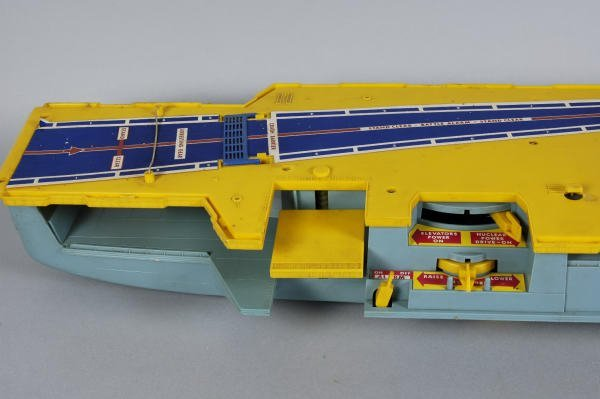 Remco Toy Aircraft Carrier 10