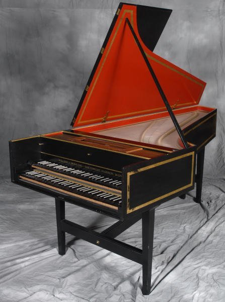 18  William Dowling 18th C  French Style HarpsichordHandheld Harpsichord