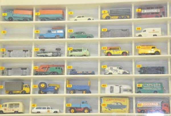 209: Vintage Matchbox Store Display With Cars : Lot 209