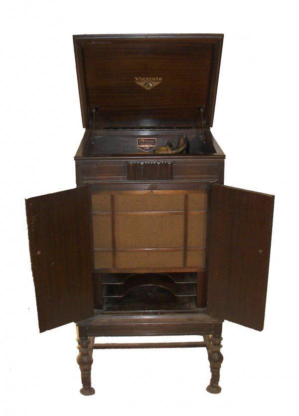 77 Walnut Music Cabinet With Victrola Record Player Lot 77