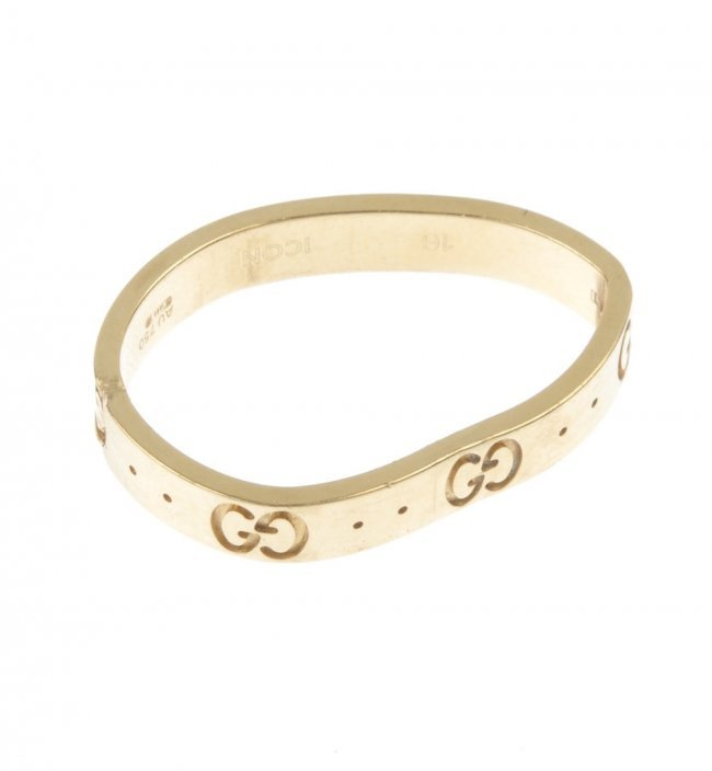 gucci an 18ct gold icon ring af lot 497