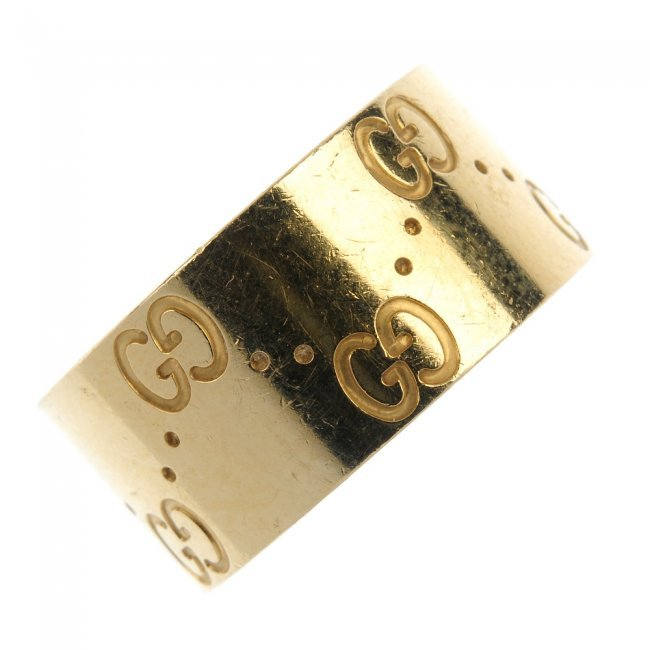gucci an 18ct gold icon band ring lot 270