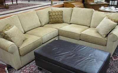 Eathan Allen On Three Piece Sectional Sofa Set Ethan Allen Furni Lot 399