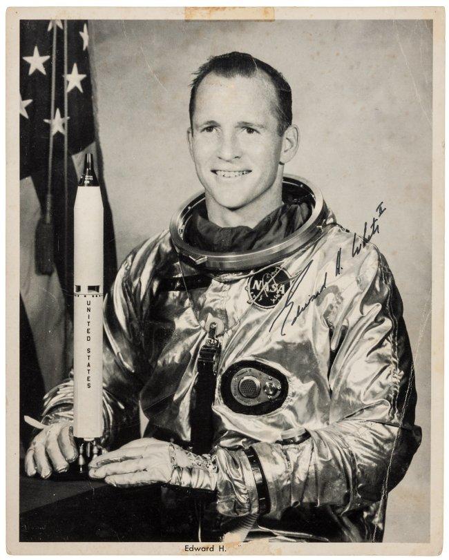 john young astronaut autograph - photo #20