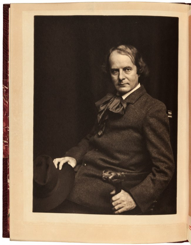 elbert hubbard essays Elbert hubbard's 1899 essay (based on a true story), the message of which is that the real hero is the man who does his work well and without question - the man who carries the message to garcia.