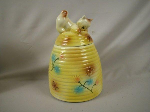 1314 american bisque kitten on beehive cookie jar m lot 1314 - Beehive cookie jar ...