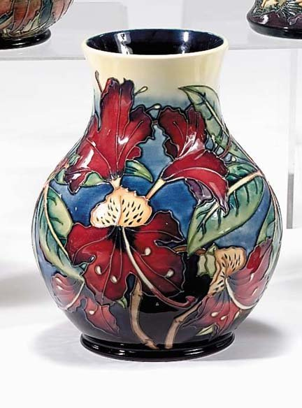2257 Moorcroft 39 Simeon 39 Vase Design By Philip Gibson