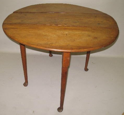 526 queen anne drop leaf table small round table of c lot 526