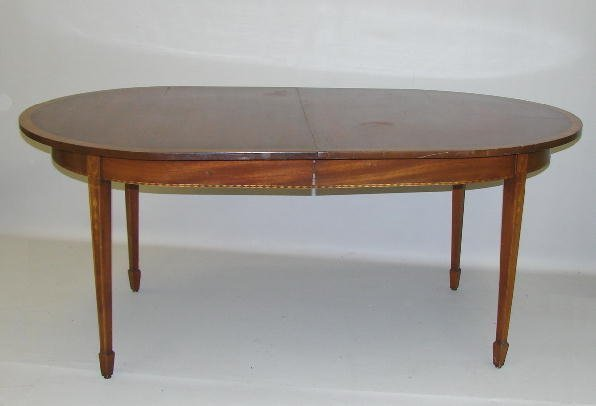 467 INLAID HEPPLEWHITE STYLE DINING TABLE Mahogany an  : 29403071l from www.liveauctioneers.com size 596 x 406 jpeg 20kB