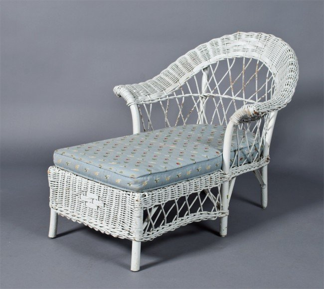 20 antique child 39 s wicker chaise lounge lot 20 for Antique wicker chaise