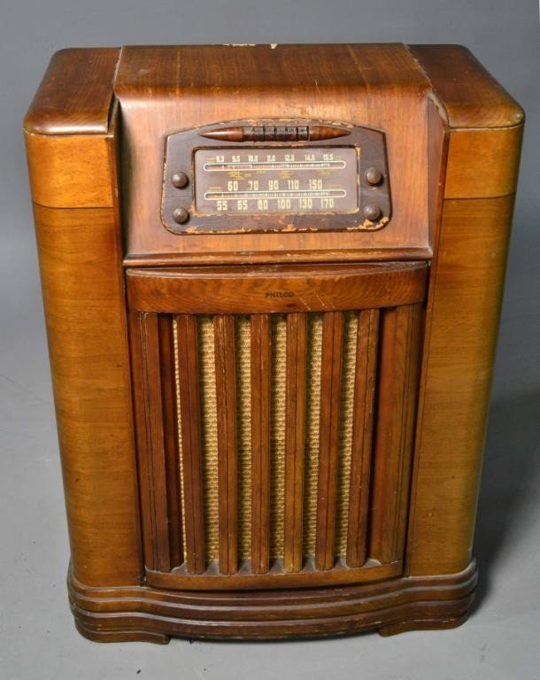 Zenith Radio For Sale in addition 6Qc BxooOrM likewise Check Out This Gallery Of Antique Radio Dials further Otherstuff in addition Antique Philco Radio Values. on old silvertone car radios
