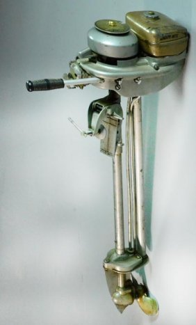 Auctions In Michigan >> Neptune Mighty Mite Outboard Motor : Lot 424