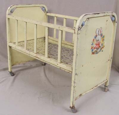Antique  Springs on Vintage Mid 1900s Metal Dolls Bed Crib   Lot 2520a