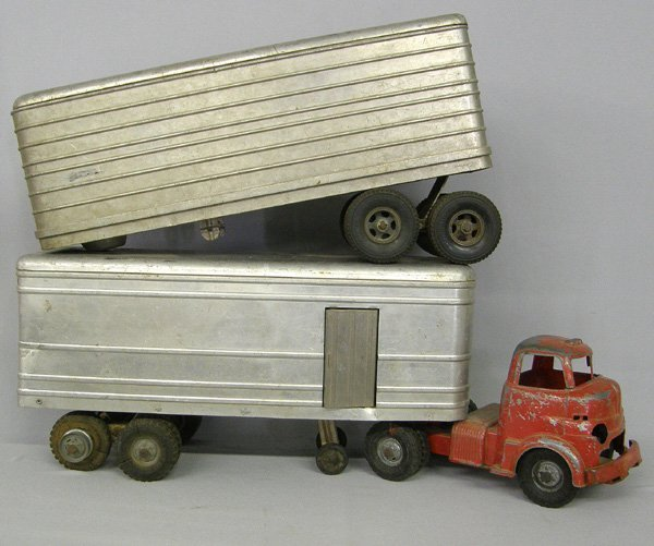 Antique Tractor Trailers : Vintage tractor trailer toys lot