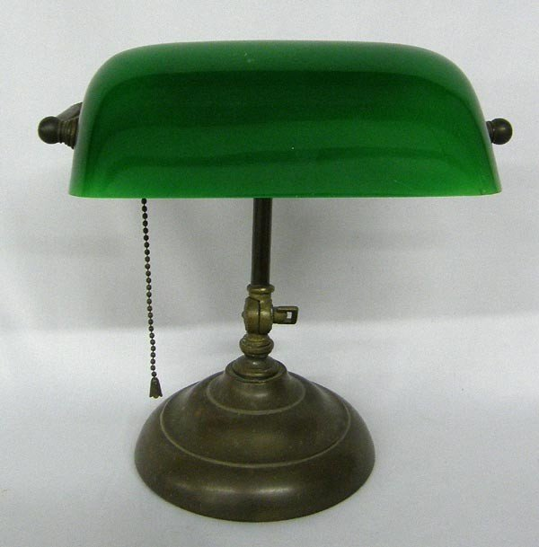 classic vintage green glass bankers lamp lot 1099. Black Bedroom Furniture Sets. Home Design Ideas