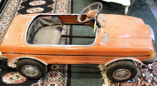 257t mercedes pedal car as is lot 257t for Mercedes benz pedal car