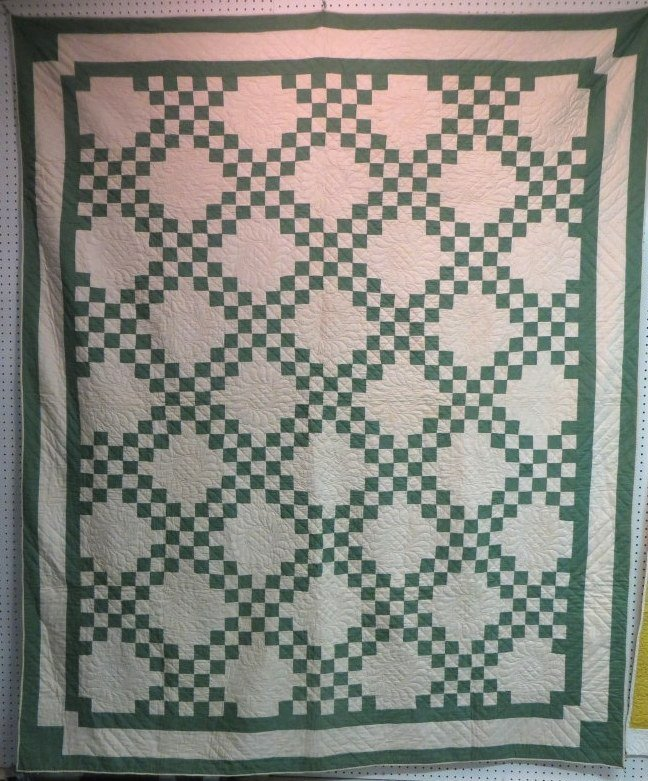 Quilt Pattern For Double Irish Chain : 290: Patchwork quilt in double Irish Chain pattern - 6 : Lot 290