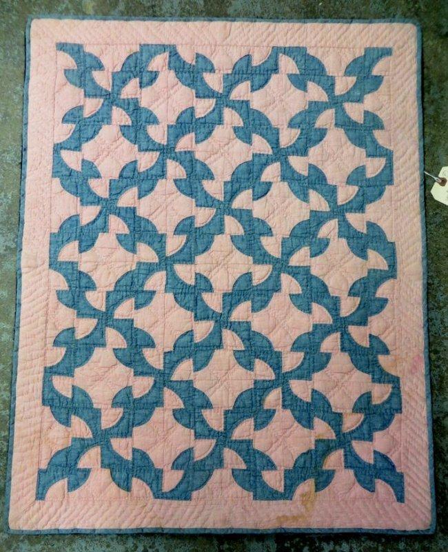 330: Mounted Drunkard s Path pattern crib quilt. : Lot 330