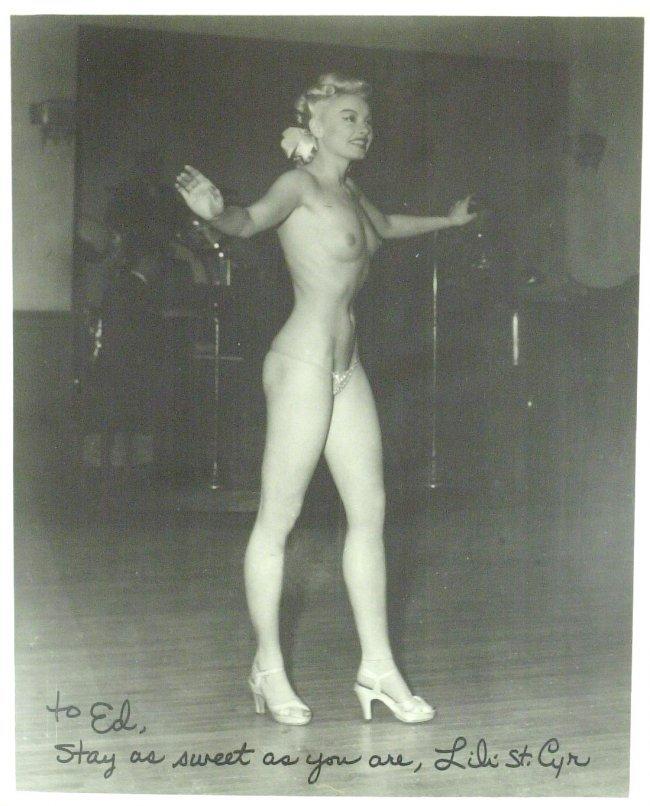 Naked Burlesque Videos 104