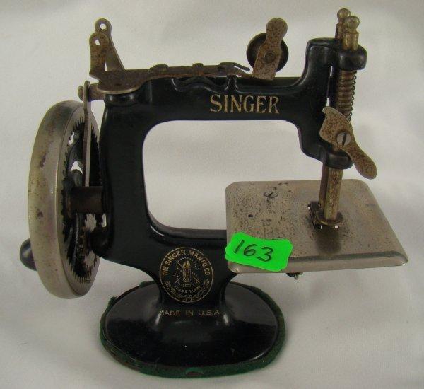 singer sewing machine mini