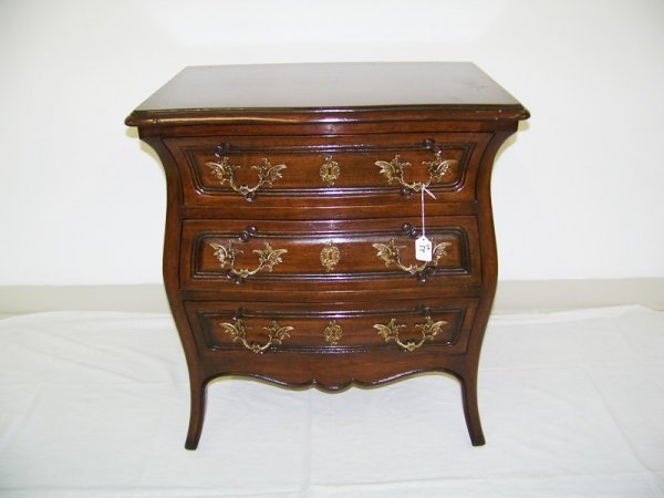 55 Meldan Furniture Bombay French Style Side Table Lot 55