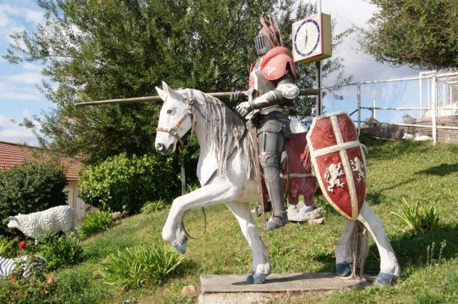 Medieval Knight On Horse Img0 1