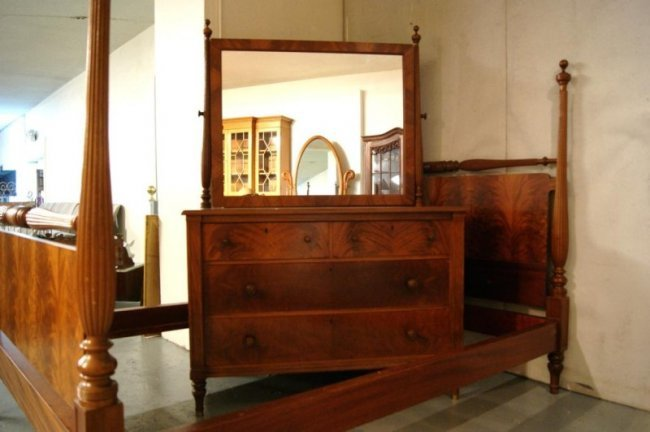 121 2 Pc Antique Mahogany Bedroom Set Lot 121